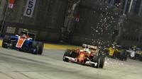 Sebastian Vettel předjíždí Estebana Ocona v závodě v Singapuru