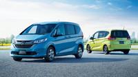 Honda Freed stojí na základech Fitu a nabízí také hybridní pohon.