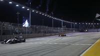Nico Rosberg v cíli závodu v Singapuru