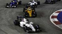Felipe Massa v závodě v Singapuru