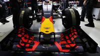 Přední křídlo vozu Red Bull RB12 - Renault v Singapuru