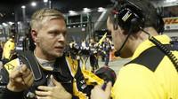 """""""Jednání Renaultu nechápu,"""" zlobí se Magnussen - anotačno foto"""
