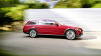 Mercedes-Benz E All-Terrain je vyzyvatelem A6 Allroad nebo V90 Cross Country.