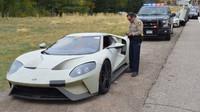 Testovací řidiči Fordu GT byly chyceni americkou policií