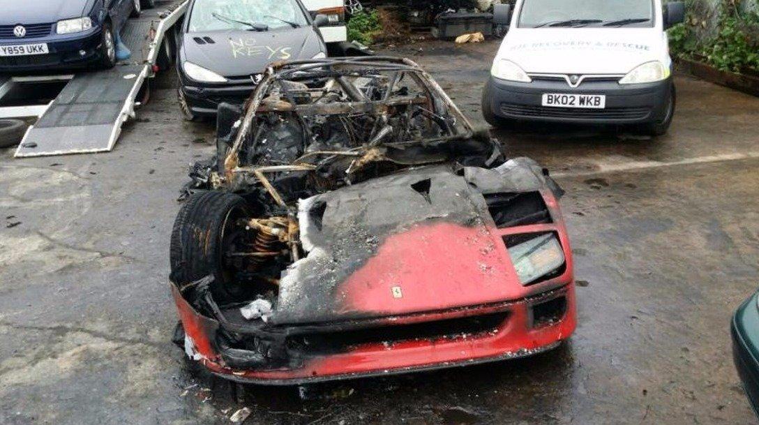 Jen pro silné žaludky. Nádherné Ferrari F40 musí do šrotu, co se stalo? - anotační foto