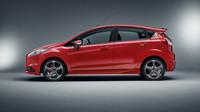 Ford Fiesta ST přijíždí nově s pětidveřovou karosérií.