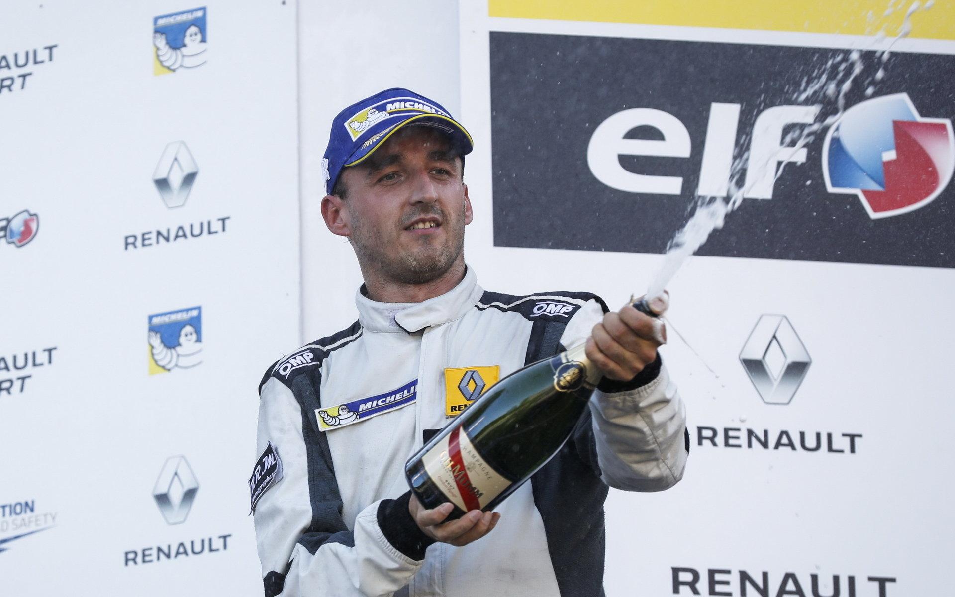 Kubica trénoval na F1 simulátoru Renaultu, o víkendu to dotáhl na pódium + FOTO - anotační foto