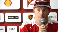 Kimi Räikkönen si stěžuje na pomalé piloty