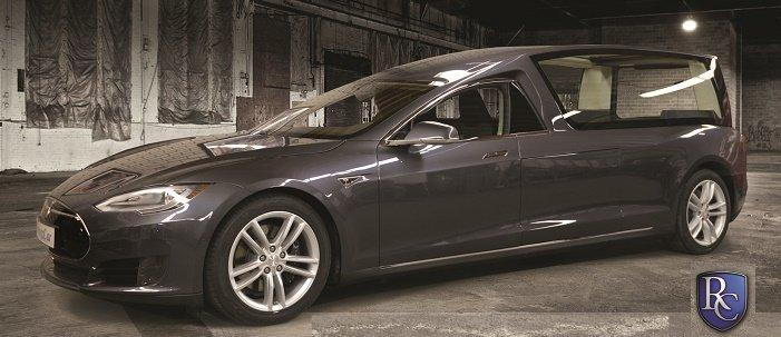 Bez emisí i po smrti. Tohle je skutečně pohřebák Tesla! - anotační foto