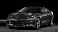 Chevrolet rozšiřuje rodinu Camaro 50th Aniversary o další dvě verze - anotační foto