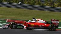 Sebastian Vettel při pátečním tréninku v Malajsii