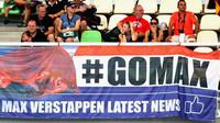 Fanoušci Maxe Verstappena při pátečním tréninku v Malajsii