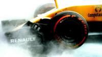 Ochlazení vozu Renault při pátečním tréninku v Malajsii