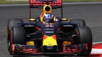 Daniel Ricciardo při pátečním tréninku v Malajsii