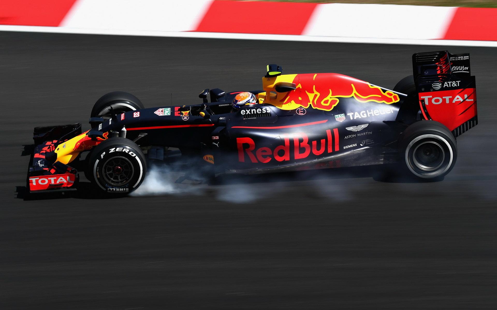 Verstappen: Red Bull je při dlouhých jízdách velmi silný. Porazí v Sepangu Ferrari? - anotační obrázek