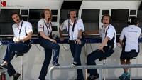Pitwall týmu Sauber při pátečním tréninku v Malajsii