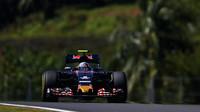 Carlos Sainz při pátečním tréninku v Malajsii