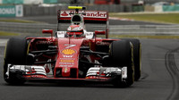Kimi Räikkönen v kvalifikaci v Malajsii