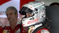 Vettel za úvodní kolizi dostává pro Japonsko trest, událost komentuje Verstappen - anotační foto