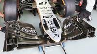 Přední křídlo vozu Force India VJM09 - Mercedes v kvalifikaci v Malajsii