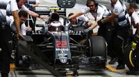 Jenson Button v kvalifikaci v Malajsii