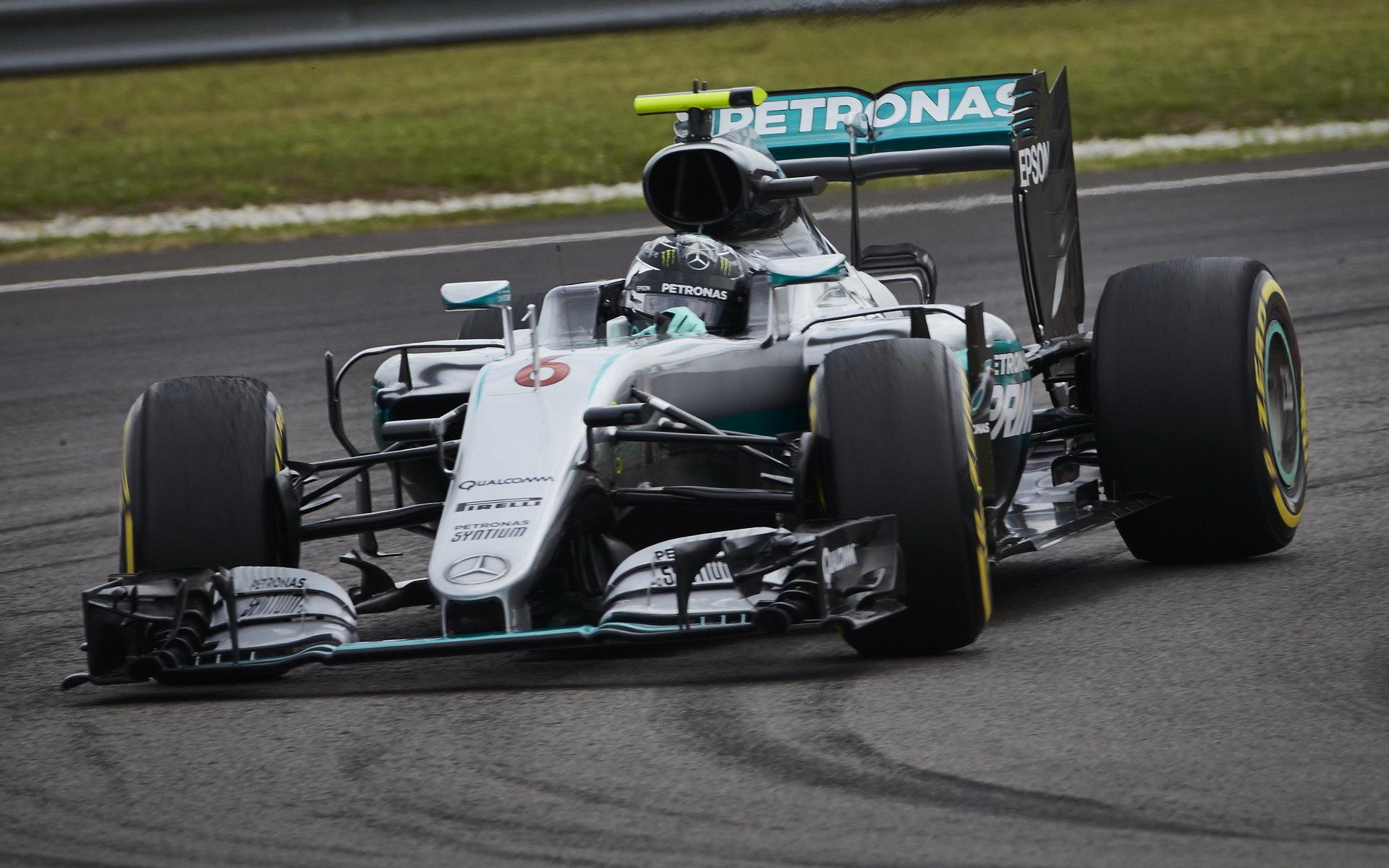 Rosberg odpoledne nejrychlejší, Red Bull ale vystrčil růžky: Ricciardo před Hamiltonem - anotační foto