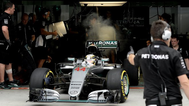 Kolem selhání Hamiltonova motoru se nadále vedou debaty