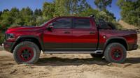 RAM Rebel TRX je koncept šíleného pickupu pro dovádění v dunách.