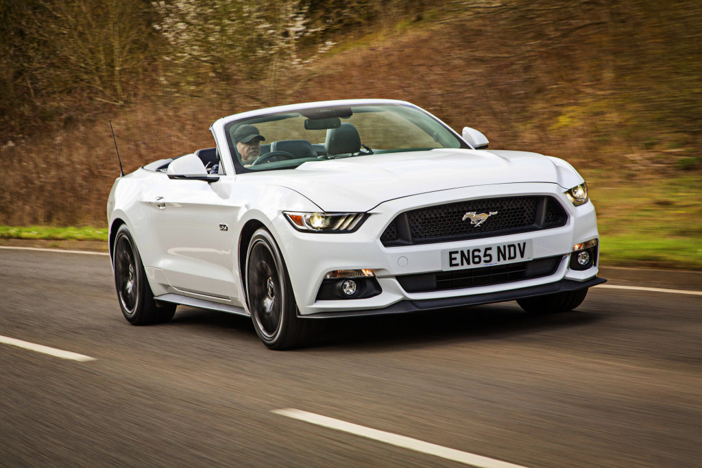 Otevřený Ford Mustang
