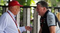 Niki Lauda a Otmar Szafnauer v Malajsii