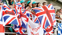 Fanoušci Lewise Hamiltona v závodě v Malajsii