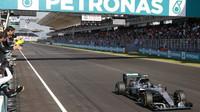 Nico Rosberg v cíli závodu v Malajsii