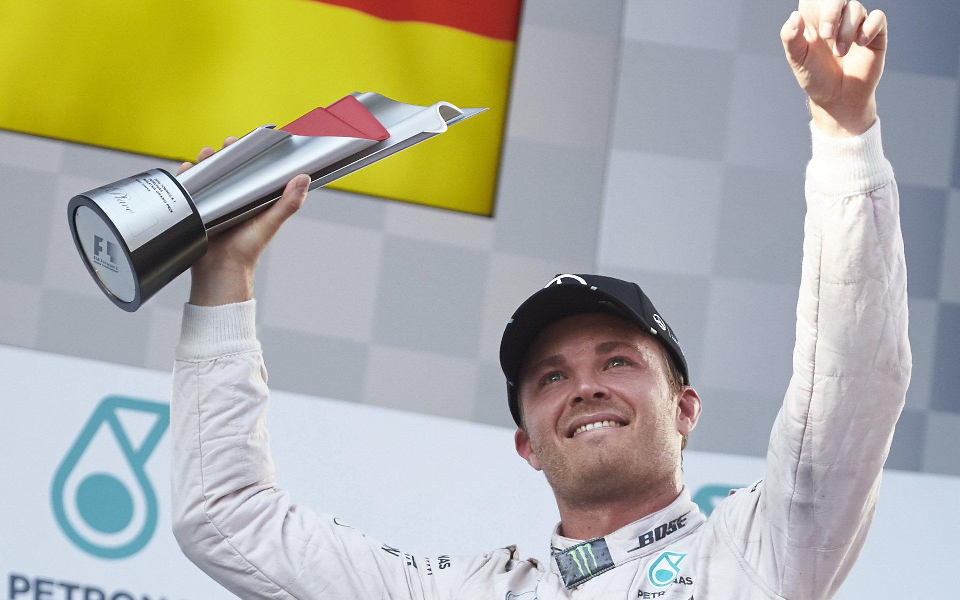 Rosberg: S druhými místy se nespokojím. Co když bude v závodě za Hamiltonem? - anotační foto