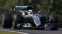 Lewis Hamilton v závodě v Malajsii