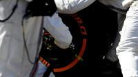 Výměna pneumatik týmu Williams v závodě v Malajsii