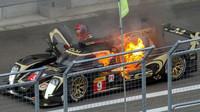 Na okruhu Fuji Speedway dokáže být při závodech WEC pořádně horko - na snímku vůz Lotus CLM P1/01-AER posádky Christophe Bouchut, James Rossiter, Pierre Kaffer v roce 2014