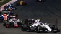Valtteri Bottas v závodě v Malajsii