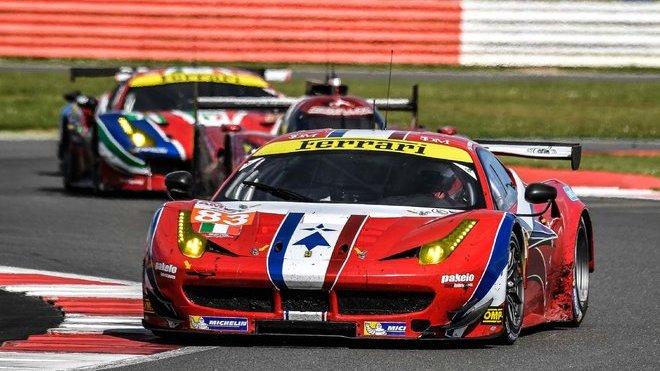 Vozy Ferrari jsou na automobilových okruzích velmi rozšířeným sportovním náčiním
