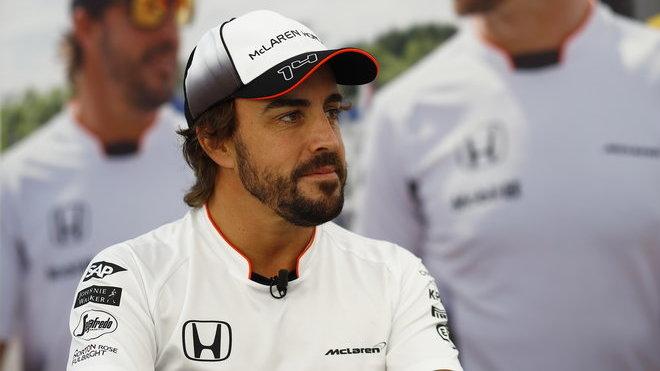 Fernando Alonso se ukázal po druhém tréninku jako gentleman