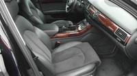 Ministerstvo vnitra prodává v aukci zabavená auta kvůli trestné činnosti, zde Audi A8.