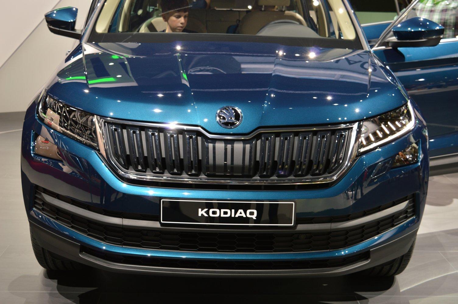 Škoda Kodiaq při premiéře na pařížském autosalonu.