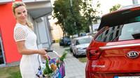 Výzkum automobilky Kia potvrdil, že české ženy mají rády červenou barvu