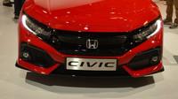 Honda Civic se v desáté generaci vrací ke střídmějšímu stylu.