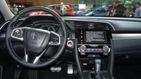 Hondu Civic desáté generace jsme poprvé vyzkoušeli na pařížském autosalonu.
