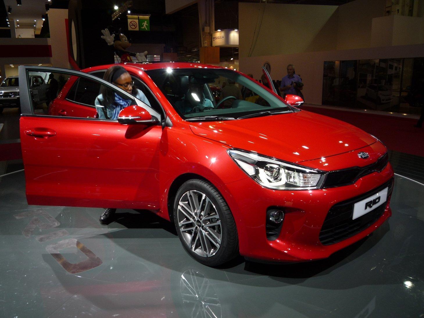 PRVNÍ DOJMY: Malé auto podle našich představ! Kia Rio vsadila na ...