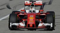 Sebastian Vettel při pátečním tréninku v Austinu