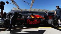 ZASTÁVKY A STRATEGIE: Red Bull nejrychlejší, o setinu poráží Mercedes - anotační foto