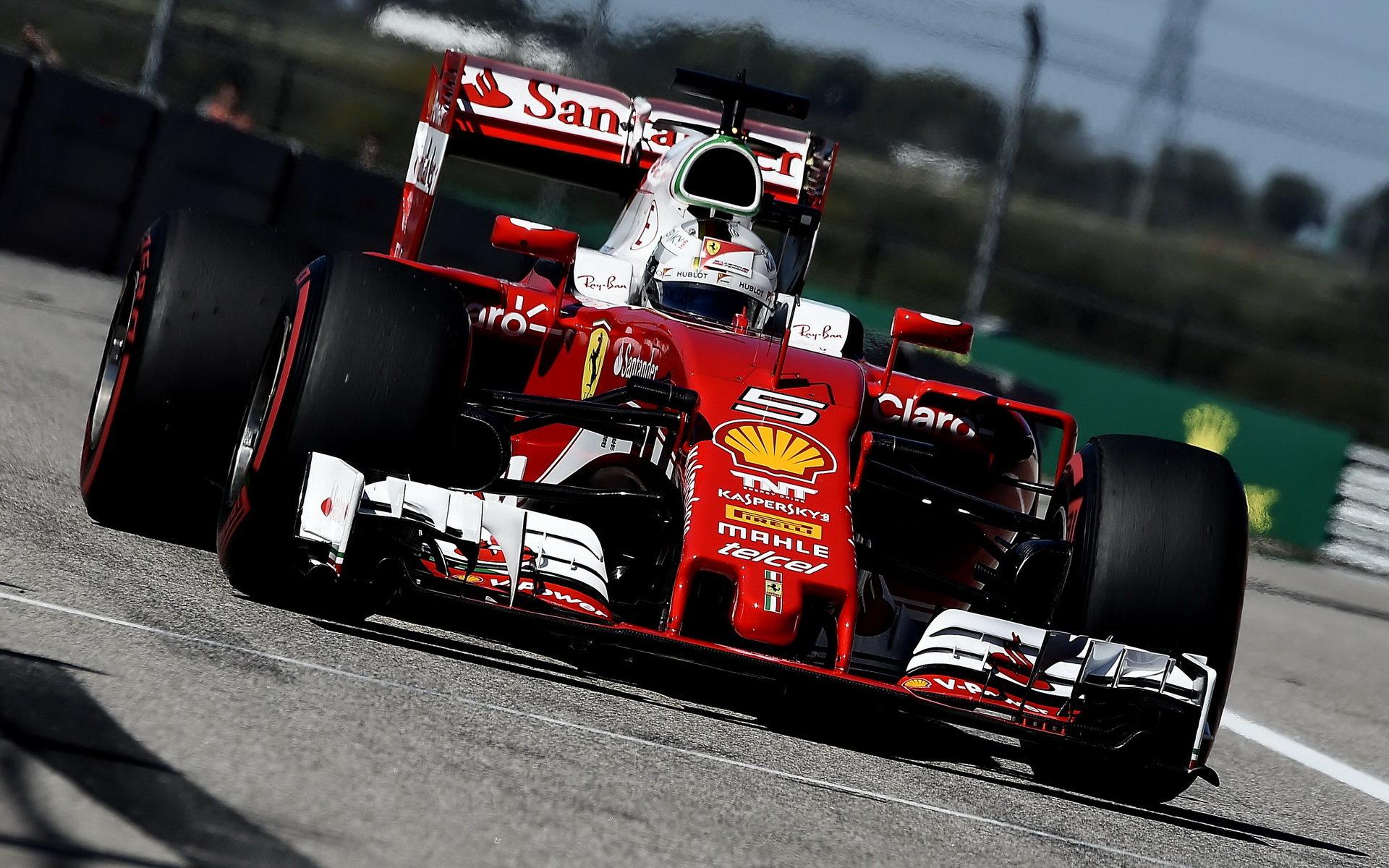 Ferrari se stalo divoce ovladatelné, říká Vettel, který v USA pomýšlel na pódium - anotační obrázek
