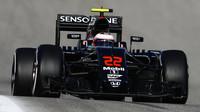 Jenson Button při pátečním tréninku v Austinu