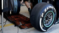 Pneumatiky Pirelli při pátečním tréninku v Austinu